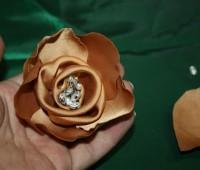 ساخت گل با پارچه ساتن , آموزش گلسازی , گل پارچه ای