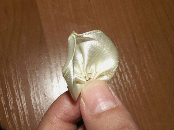 آموزش ساخت گل رز روبانی , گلسازی با روبان