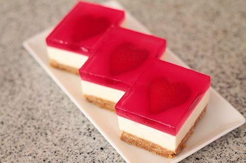 نان، شیرینی، دسر  , طرز تهیه چیز کیک ژله ای قلبی برای ولنتاین