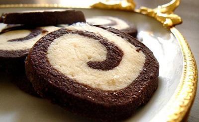 نان، شیرینی، دسر  , طرز تهیه کوکیز دو رنگ فرفره ای برای عید نوروز