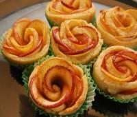 طرز تهیه شیرینی گل رز با سیب