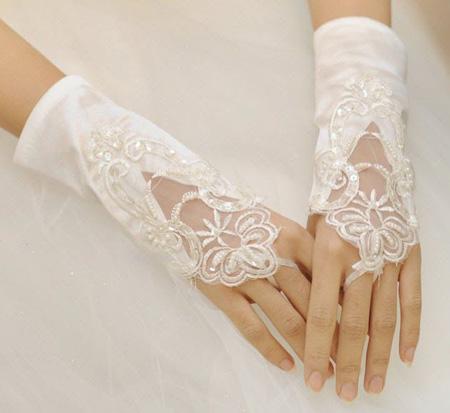 دستکش های مناسب لباس عروس, دستکش عروس با ساتن و تور