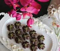 شیرینی نخودچی شکلاتی
