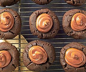 نان، شیرینی، دسر  , طرز تهیه شیرینی شکلاتی کره بادام زمینی