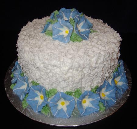 تزیین کیک با خامه و خمیر فوندانت