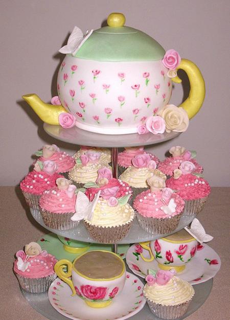 تزیین کیک به شکل قوری و فنجان
