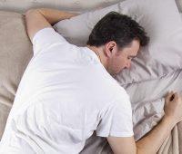 خوابیدن روی شکم برایمان بد است ؟
