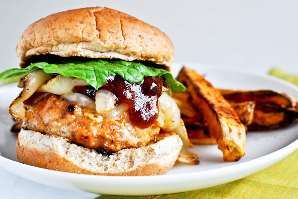 همبرگر مرغ , ادویه کاری
