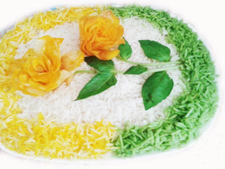 عکس تزیین برنج مجلسی , تزئین برنج با سیب زمینی و سبزی