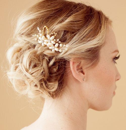 تاج و گل سر عروس , آرایش موی عروس