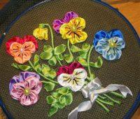 گل بنفشه روبانی , آموزش روبان دوزی