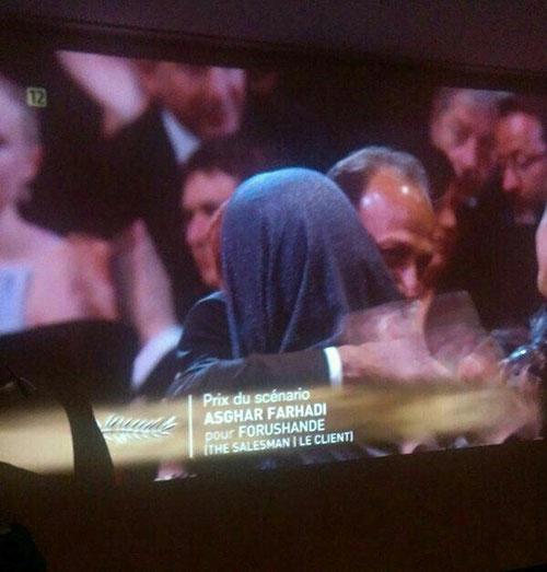 عکس: اصغر فرهادی در آغوش همسرش