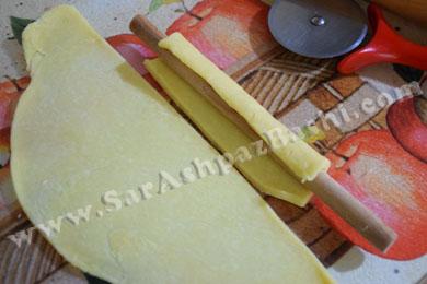 نان، شیرینی، دسر  , شیرینی ساق عروس نواری رولی