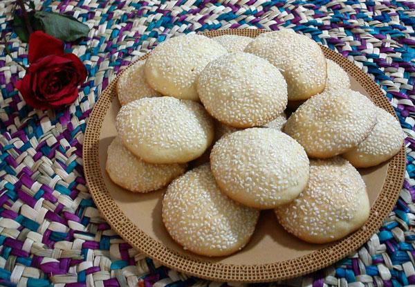 نان، شیرینی، دسر  , طرز تهیه کلوچه کنجدی ترد و خوشمزه