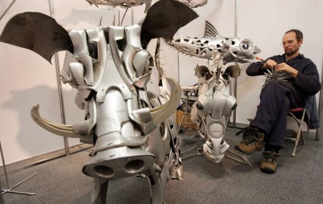 قالپاق ماشین , مجسمه , آثار هنری