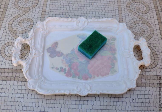 دکوپاژ سینی پلس استر, رنگ آمیزی سینی