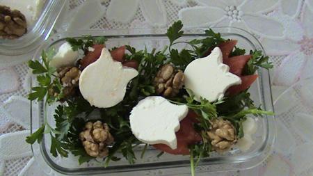 ایده های تزیین پنیر برای افطار,مدل تزیین نان پنیر سبزی