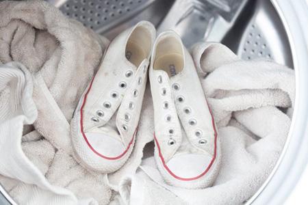 آموزش شستن کفش کتانی,آموزش شستن کتانی ها در خانه