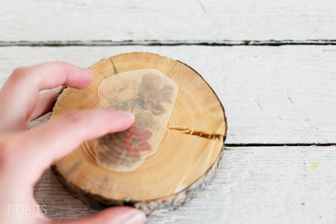 آموزش هنرهای دستی  , ساخت زیرلیوانی با برش چوب / دکوپاژ روی چوب