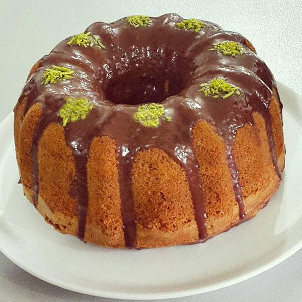 کیک شکلاتی با سس شکلات