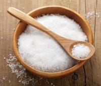 چند کاربرد نمک در خانه داری