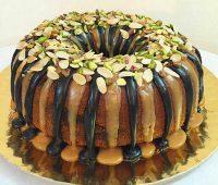 کیک ساده با سس گاناش