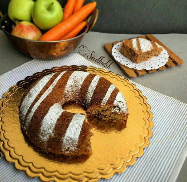 کیک هویج و سیب