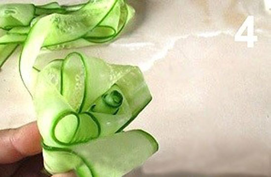 مربا، ترشی، سس  , طرز تهیه مربای خیار / ساخت گل رز با خیار