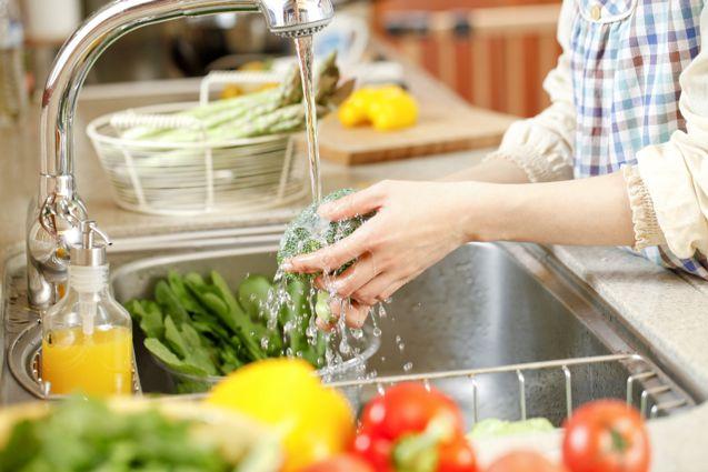 ضدعفونی کردن سبزیجات, شستشوی سبزیجات