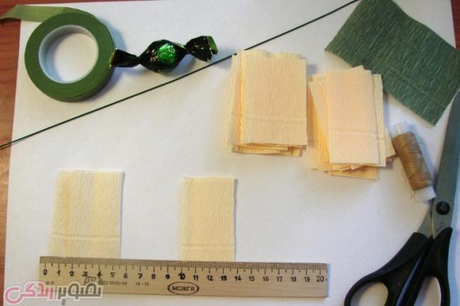 آموزش هنرهای دستی  , تزیین شکلات / ساخت گل با شکلات و کاغذ کشی