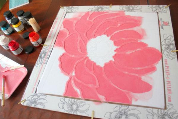 نقاشی روی کوسن,نقاشی روی پارچه ,تزیین کوسن