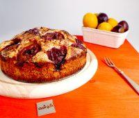 کیک آلو سیاه, کیک میوه ای