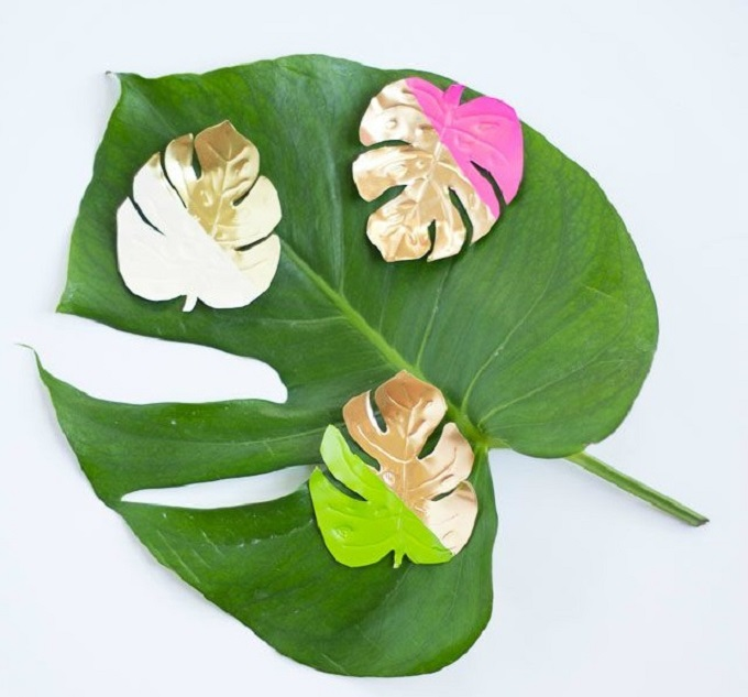 Tropical Leaf Magnets - We compiled an eye-catching list of 30 DIY tropical leaf craft ideas for you try.   Coolcrafts.com