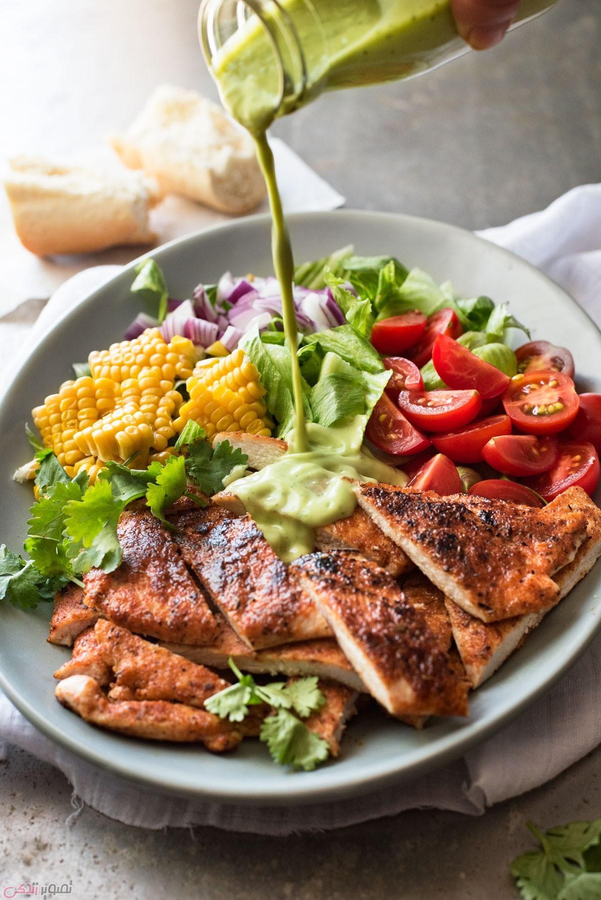 دستور پخت غذا  , طرز تهیه سالاد مرغ کبابی با سس آووکادو / غذای رژیمی