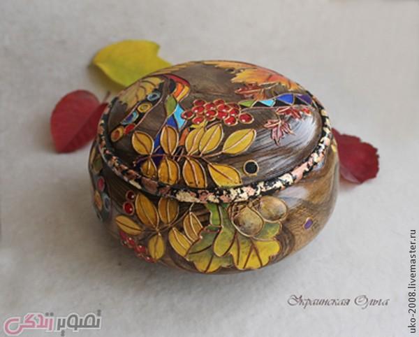 نقاشی روی جعبه چوبی با طرح برگ های پاییزی