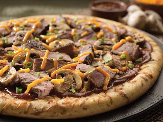 طرز تهیه پیتزای گوشت و قارچ با پنیر