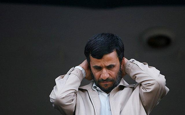 منع احمدی نژاد از حضور در انتخابات توسط مقام معظم رهبری