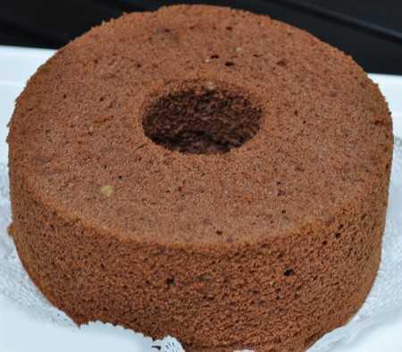 کیک اسفنجی شکلاتی , طرز تهیه کیک اسفنجی شکلاتی خامه ای , دستور پخت کیک اسفنجی شکلاتی ساده