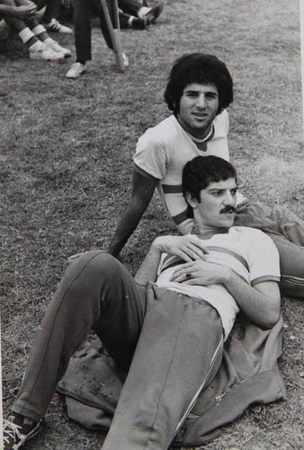 عکس قدیمی منصور پورحیدری در کنار مسعود مژدهی