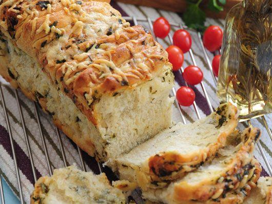 طرز تهیه نان سیر با سبزی و پنیر