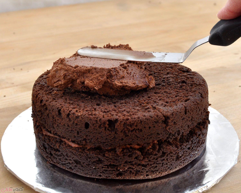 طرز تهیه کیک شکلاتی با رویه موکا