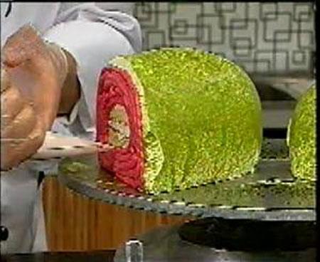 نان، شیرینی، دسر  , طرز تهیه کیک هندوانه ای شکل برای شب یلدا به روشی ساده
