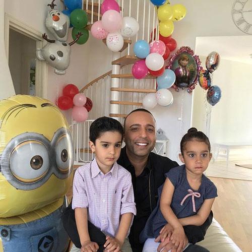 بیوگرافی آرش خواننده , عکس آرش و دوقلوهایش