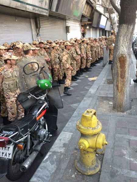 حضور یگان های نیروی زمینی ارتش برای کمک به حادثه دیدگان ساختمان پلاسکو