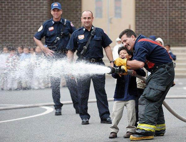 اشتباهات آتش نشانان , اشتباهاتی که آتش نشانان را از ما گرفت , اشتباهات در آتش سوزی پلاسکو , اشتباهات در پلاسکو