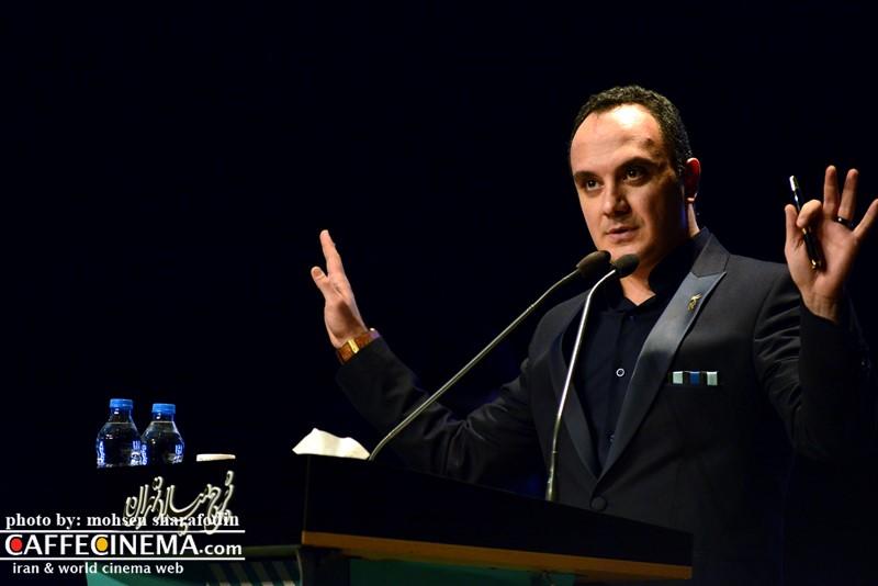 عکس احسان کرمی در افتتاحیه سی و پنجمین جشنواره فیلم فجر