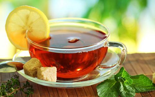 طب سنتی و اسلامی  , درمان نفخ معده و سرفه های پی در پی با چای لیمو نعنا