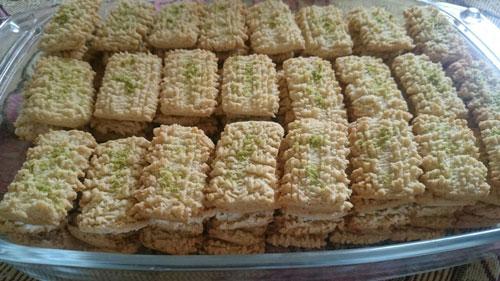 طرز تهیه شیرینی نان چرخی قزوین