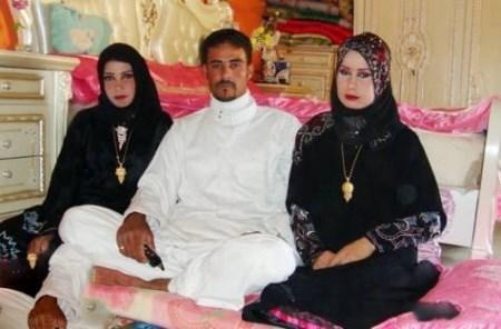 عکس شب زفاف مرد عراقی همزمان با دو زن