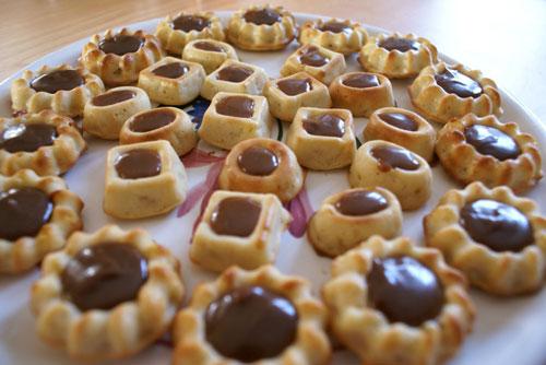 نان، شیرینی، دسر  , طرز تهیه ساوارین نوتلا شیرینی خوشمزه و مجلسی برای پذیرایی عید نوروز